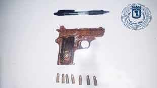 Pistola encontrada en Vallecas.