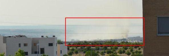El viento sigue expandiendo el humo y el olor por todo Rivas y el Ensanche de Vallecas