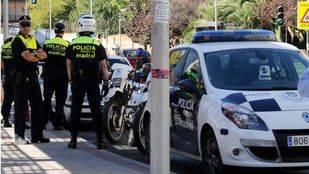 Tres detenidos por agredir a dos policías cuando arrestaban a un hombre por violencia de género