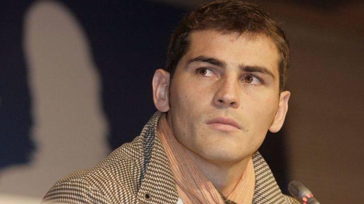 Iker Casillas, reconocido como mejor deportista por el jurado de los Premios Madrid en 2005.