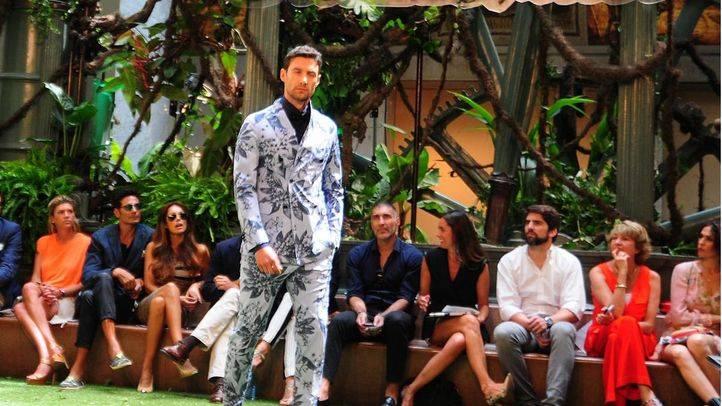 Emidio Tucci desfila en la pasarela de moda masculina MFSHOW