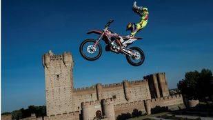 El X-Fighters llega a Las Ventas: de Madrid al cielo... pero en moto