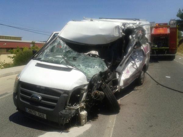 Siete heridos, uno grave, en un accidente entre un autobús y una furgoneta en la M-300