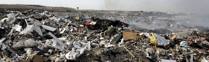 Madrid y Rivas extinguen el incendio de la A-3, 16 días después