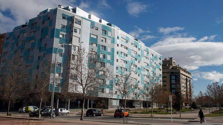 Edificio de viviendas en la avenida de La Gavia en el Ensanche de Vallecas.