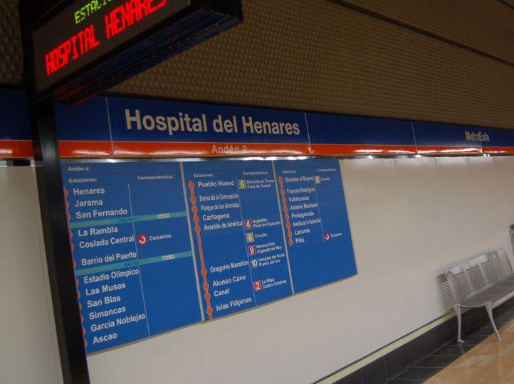 La Línea 7 de Metro a su paso por Hospital del Henares.
