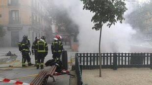 Un incendio bajo la Plaza del 2 de Mayo deja sin luz a parte del barrio de Malasaña