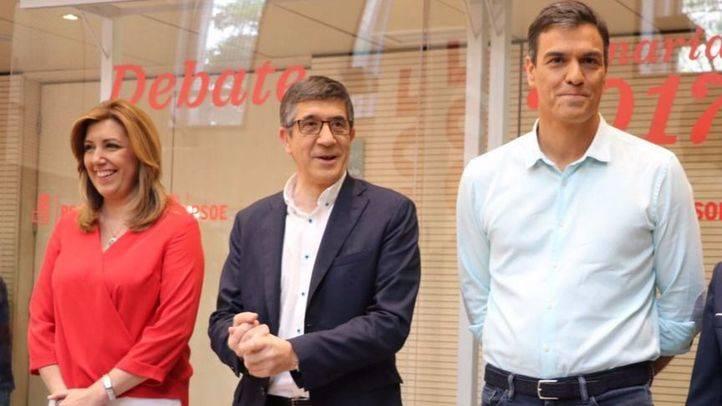 La presidenta de la Asociación de la Prensa de Madrid, Carmen del Riego, moderó el debate entre Díaz, López y Sánchez en Ferraz
