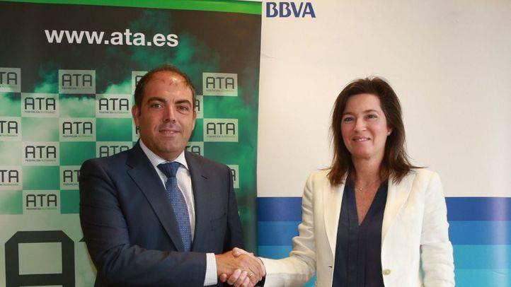 BBVA renueva las ayudas directas a los autónomos con una dotación de 375.000 euros