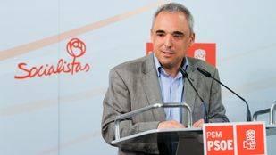 Rafael Simancas en una rueda de prensa.