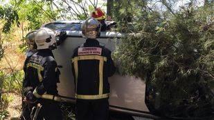 Muere tras chocar su coche contra un árbol en Getafe