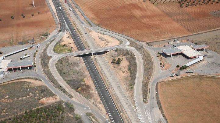 La falta de conservación de las carreteras cuesta a los españoles 2.000 millones de euros al año