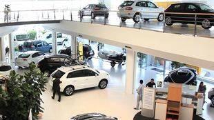 Inspectores municipales visitan los establecimientos de venta de bienes de consumo de cáracter duradero en la capital