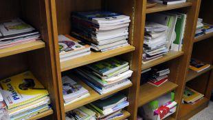 Banco de intercambio libros de texto en un colegio.