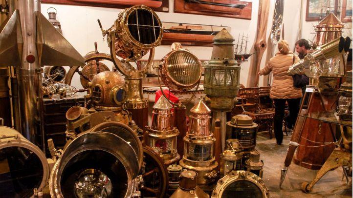 Llega ALMONEDA 2017, un viaje al pasado entre miles de objetos únicos