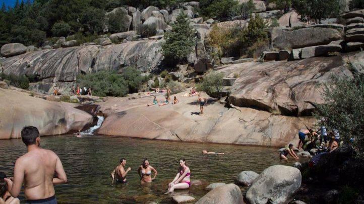 La prohibición del baño en La Pedriza se mantiene este verano