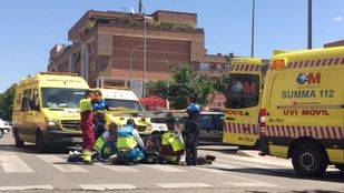 Los servicios de emergencias atienden al anciano herido