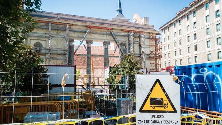 Vista general de las obras en la fachada de la plaza del Carmen.