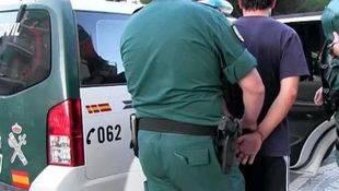 La Guardia Civil detiene al presunto autor de tres atracos a sucursales bancarias en el sur de Madrid