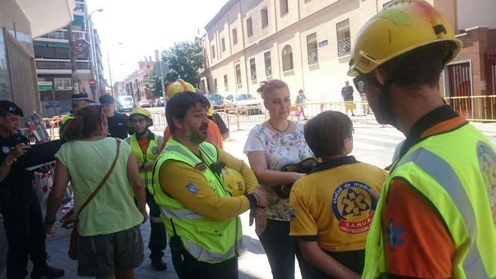 Los vecinos del edificio colindante al derrumbado en Carabanchel empiezan a regresar a sus casas