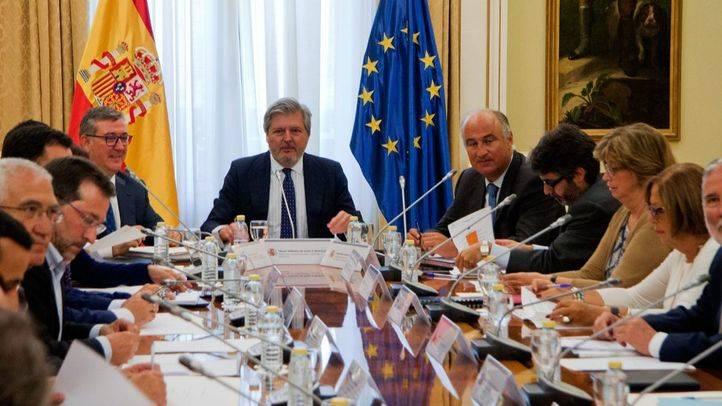M�ndez de Vigo garantiza que las comunidades contrarias a la LOMCE la van a aplicar