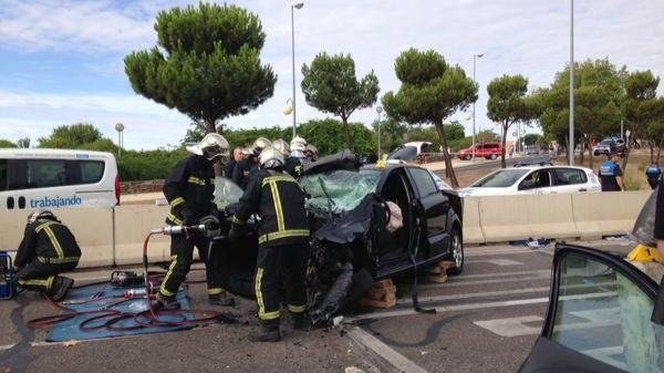 Dos muertos y un herido grave en un accidente de tráfico en Alcobendas.