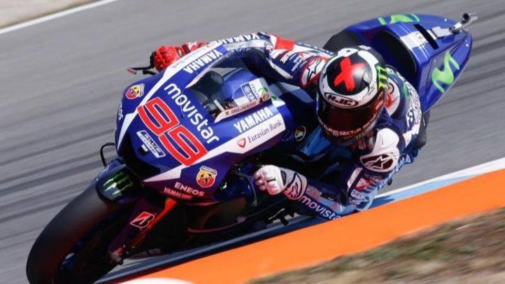 Lorenzo pole en el GP de República Checa por delante de Márquez y Rossi