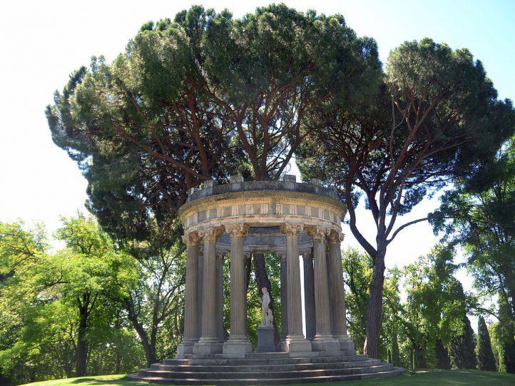 Templete de Baco en el Parque El Capricho