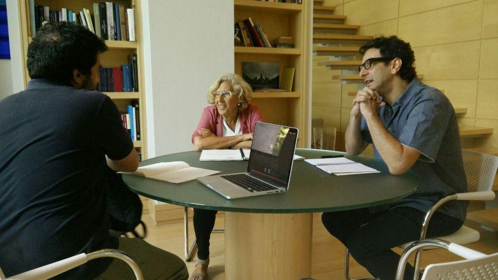 Carmena reunida en su despacho