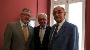 El presidente de los médicos pide a Sánchez Martos que trabaje conjuntamente con los profesionales
