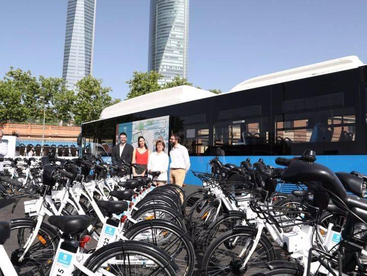 Rita Maestre, Inés Sabanés, Carlos Sánchez Mato y Álvaro Fernández en la valoración de los primeros seis meses de gestión de BiciMad.