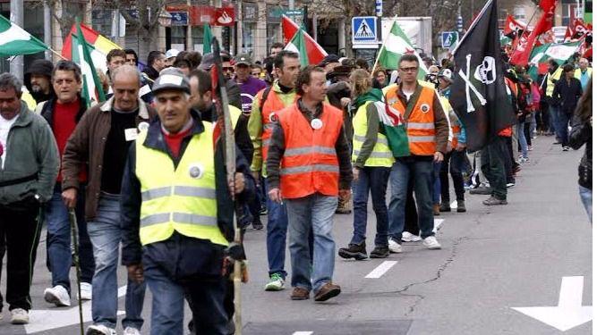Seis columnas recorren Madrid este sábado para formar las Marchas por la Dignidad