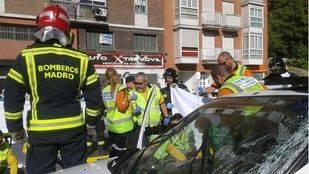 Cuatro heridos en un choque entre un turismo y un autobús de la EMT