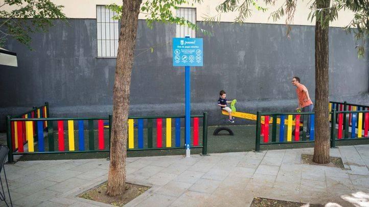 Los vecinos de Chueca reclaman más zonas infantiles para los 1.200 niños que residen en el barrio