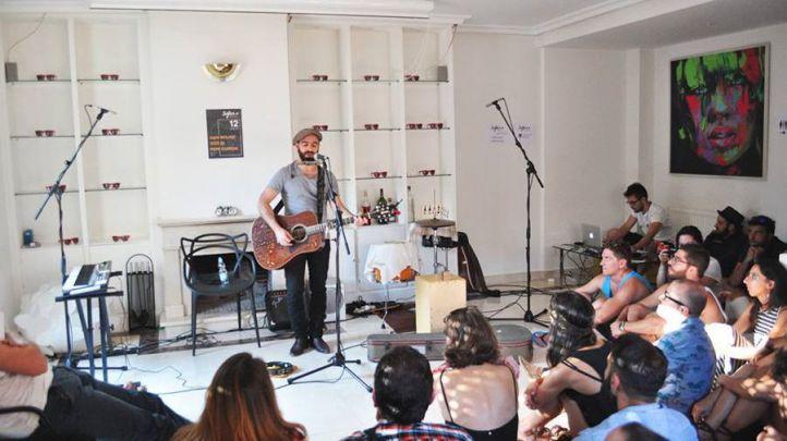 Citas secretas con la música en casas particulares