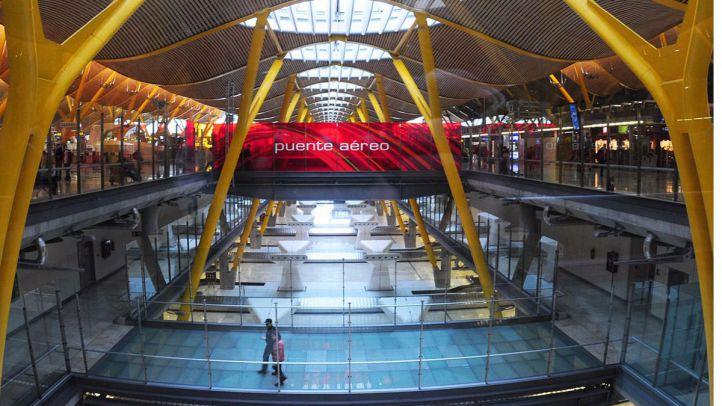 Puente aéreo y estructura central de la Terminal 4.
