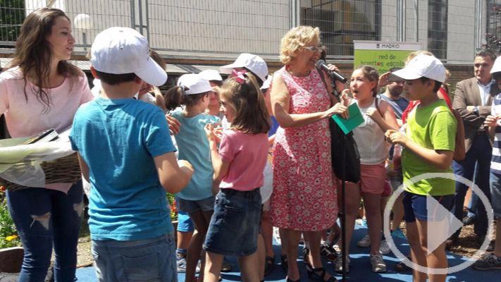 La alcaldesa Carmena participa en la fiesta de los Huertos Escolares Sostenibles
