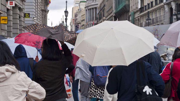 La semana comienza con lluvias y refuerzos contra los atascos