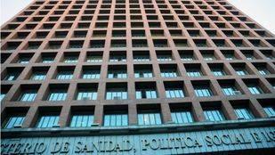 Sanidad propone atender a los 'sin papeles' que lleven empadronados 6 meses