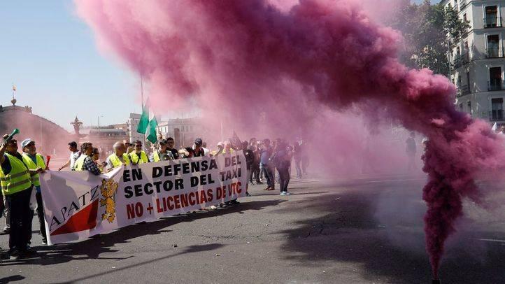 GALERÍA l La manifestación de los taxistas, en imágenes