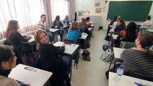 Madrid convocará más de 5.000 plazas de profesor esta legislatura