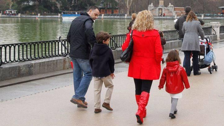 El apellido del padre deja de ser preferente en España desde el 30 de junio