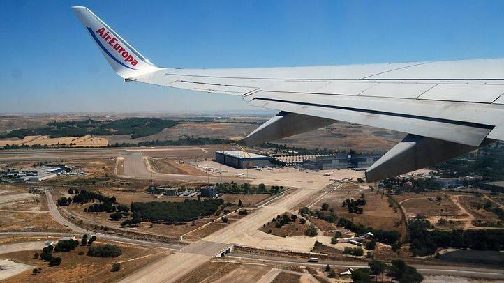 Detenidos dos británicos por sobrevolar con avionetas deportivas el Aeropuerto de Barajas