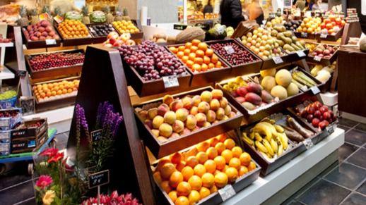 Sanidad quiere sustituir los bollos industriales de los colegios por fruta envasada al vacío