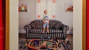 Fnac Callao acoge la exposición 'Toy stories', de Galimberti