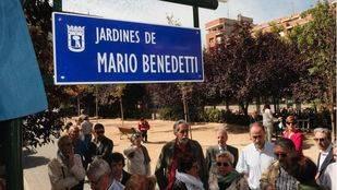 Mario Benedetti da nombre a unos jardines en Prosperidad