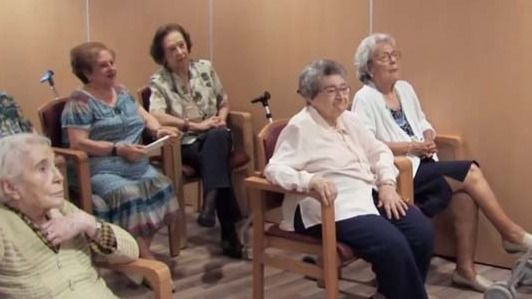 """""""Acortando distancias"""" convierte a los mayores en profesores de español"""