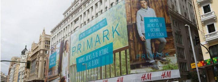 Cartel de la fecha de inauguración del Primark de Gran Vía.