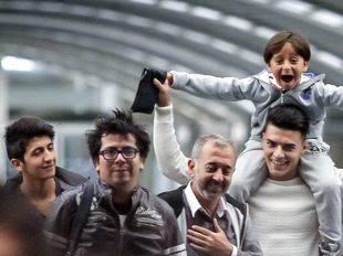 Así ha sido la llegada de Osama Abdul Mohsen y sus hijos a Madrid