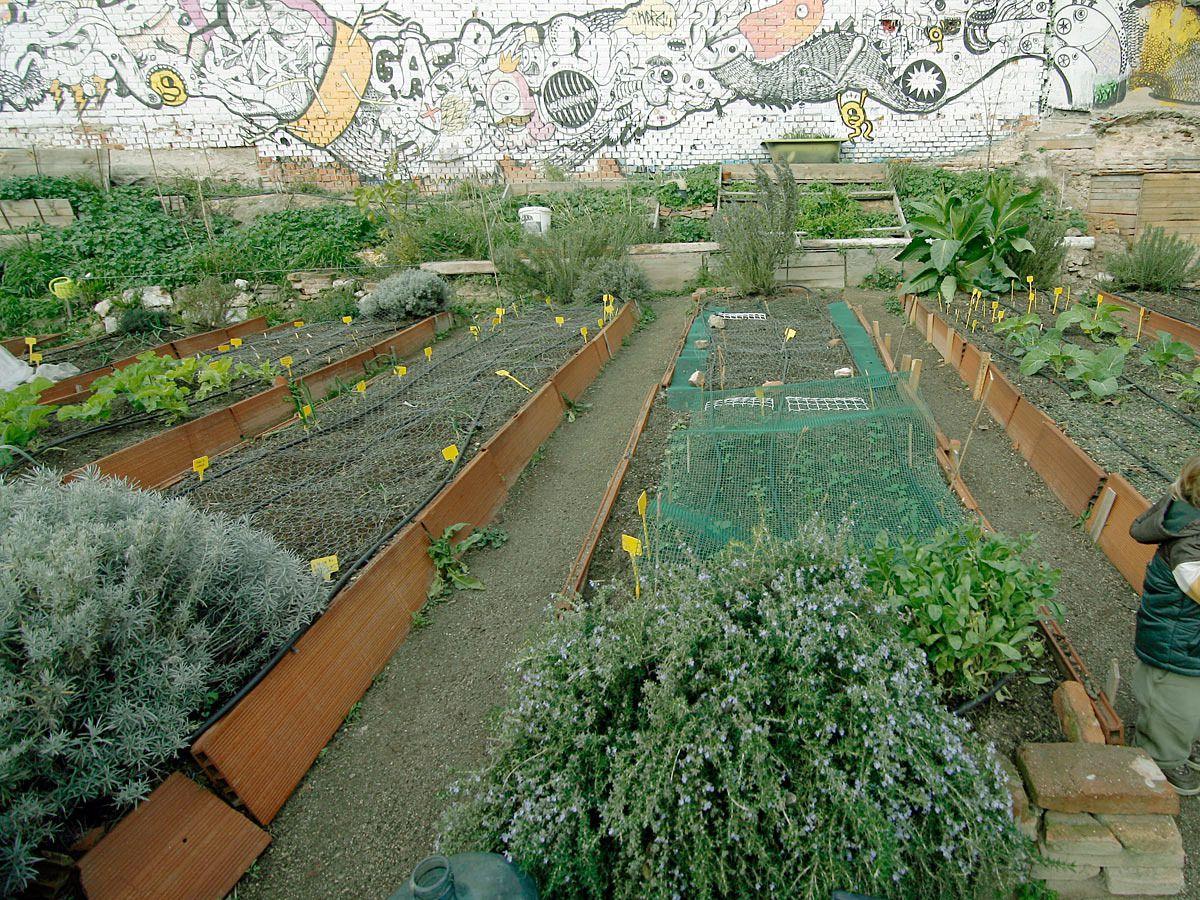 M s de una veintena de aparcamientos se convertir n este - Huerto y jardin ...